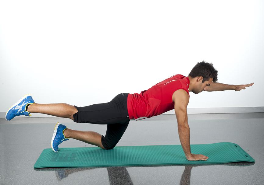 Aprende 10 ejercicios para tonificar la espalda en casa