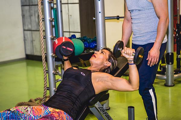 entrenamiento de fuerza pesas