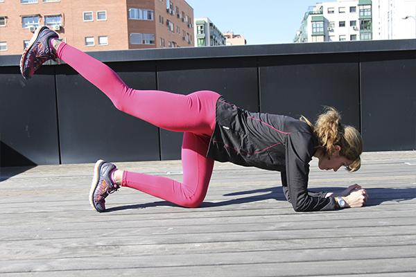 ejercicios para tonificar pierna estirada
