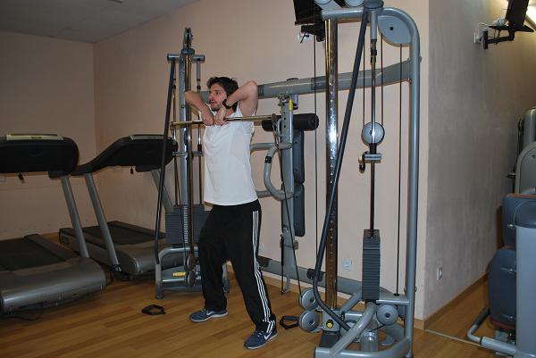 rutinas de gimnasio remo vertical