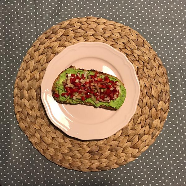 aguacate verde pimiento cebolleta