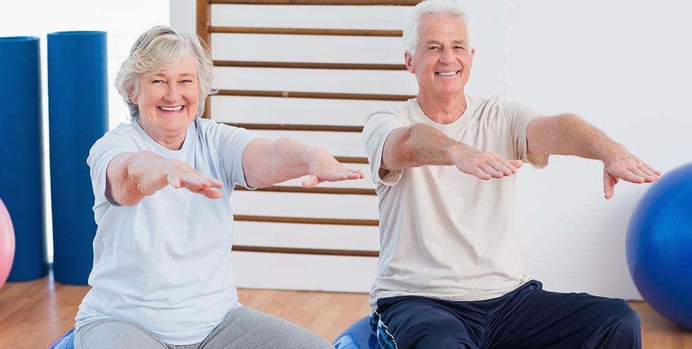 Ejercicicios de equilibrio para personas mayores ponte a for Sillon alto para personas mayores