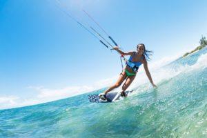 mantenerse en forma en vacaciones kitesurf