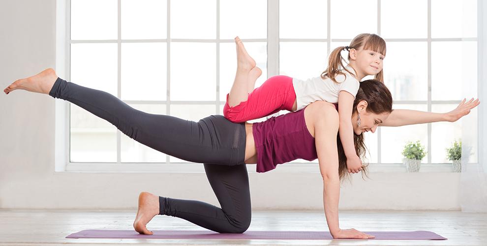 dia-internacional del yoga familia