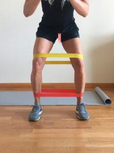entrenamiento de pierna con elasticos abductor