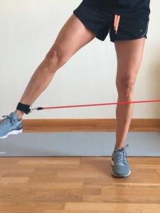 entrenamiento de pierna con elasticos lateral dos