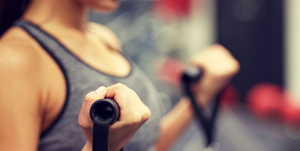ejercicios para brazos poleas